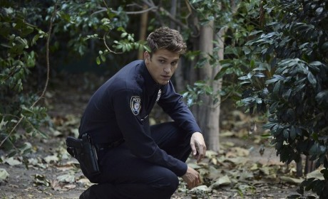 A Clue - Pretty Little Liars Season 5 Episode 15