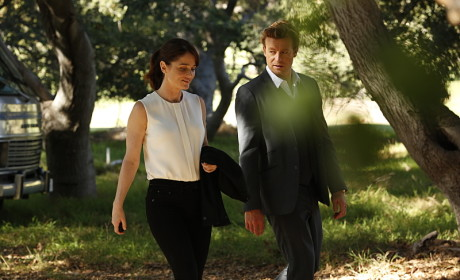 Move the Jacket - The Mentalist Season 7 Episode 6