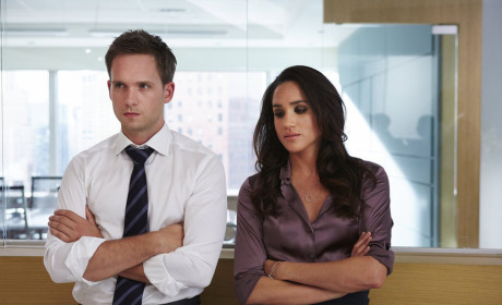 Looking Crossed - Suits Season 4 Episode 11