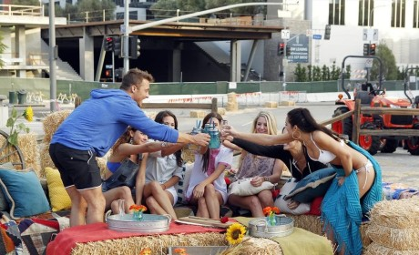 The Bachelor: Watch Season 19 Episode 2 Online