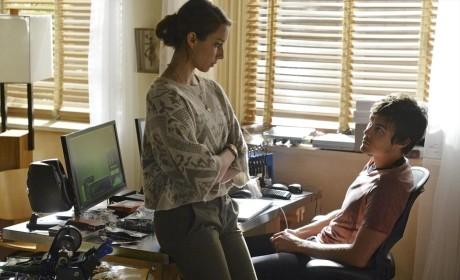 Pretty Little Liars Season 5 Episode 16 Review: Over a Barrel