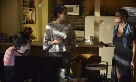Don't Interrupt - Pretty Little Liars Season 5 Episode 16