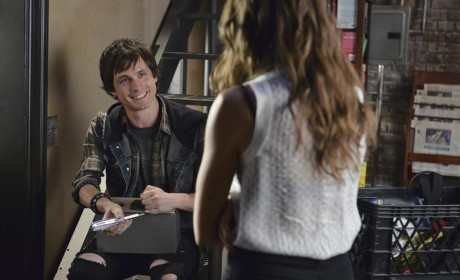 Jonny Smiles - Pretty Little Liars Season 5 Episode 18