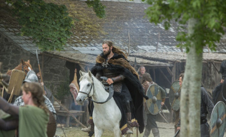 Rollo Rides Into Town - Vikings Season 3 Episode 1