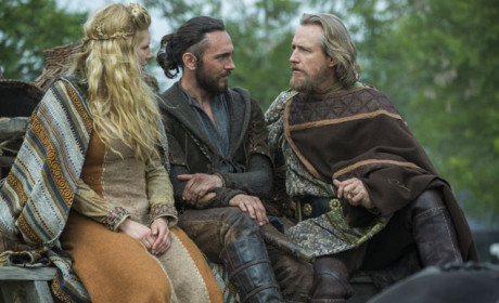 King Ecbert Impressed By Lagertha - Vikings Season 3 Episode 1