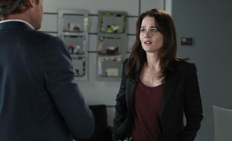 Lisbon Looks Concerned - The Mentalist Season 7 Episode 8