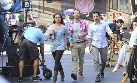 """The Crew of """"The Passions of Santos"""" - Jane the Virgin Season 1 Episode 11"""