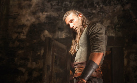 Captain Vane's A Powerful Player - Black Sails Season 2 Episode 1