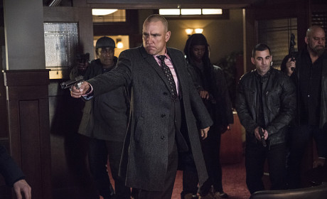 Pulling the Gun - Arrow Season 3 Episode 11