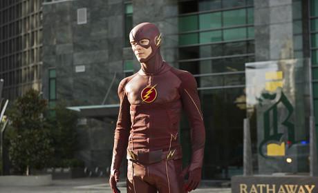 Posing - The Flash Season 1 Episode 11