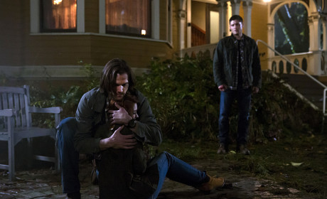 Charlie and Sam - Supernatural Season 10 Episode 11