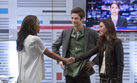 The Flash Photo Gallery: Is Iris Visited by the Green Eyed Monster?