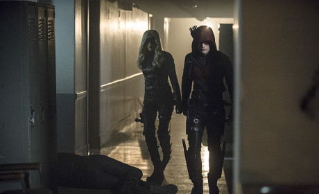 Clearing the Halls - Arrow Season 3 Episode 12
