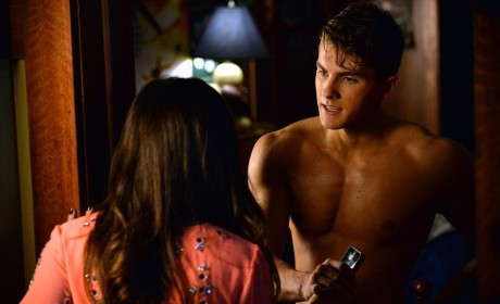 Siblings - Pretty Little Liars Season 5 Episode 19
