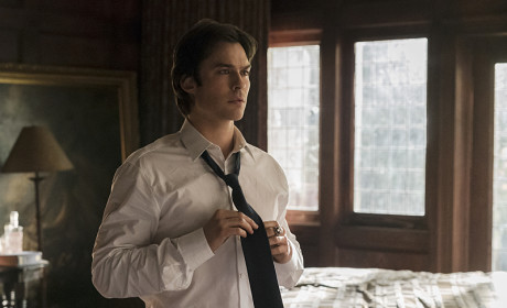 The Vampire Diaries Picture Preview: Laying Down the Law