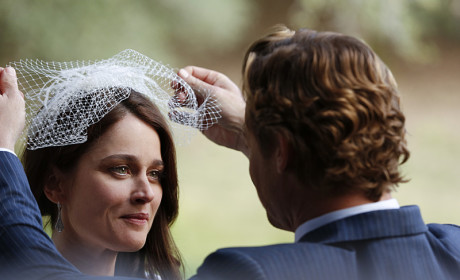 Lifting Her Veil - The Mentalist Season 7 Episode 13