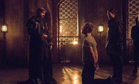 Oliver's Turn - Arrow Season 3 Episode 15