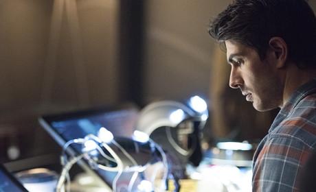 Working on the Suit - Arrow Season 3 Episode 15