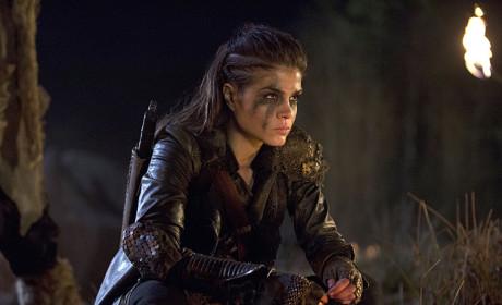 Octavia's Game Face - The 100 Season 2 Episode 14