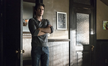 Mirroring - The Vampire Diaries Season 6 Episode 17