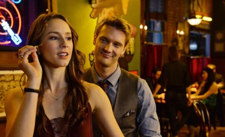 A Bullseye - Pretty Little Liars Season 5 Episode 22