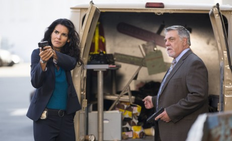 Working With a P.I. - Rizzoli & Isles