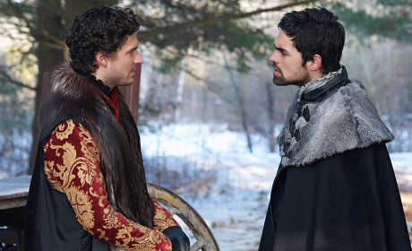 Reign Season 2 Episode 16 Picture Preview: Reign of Darkness