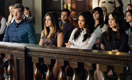 In Court - Pretty Little Liars
