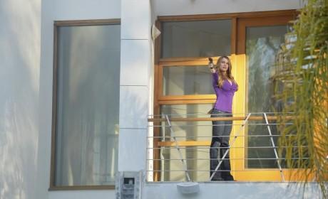 Gloria is Very Serious - Modern Family Season 6 Episode 17