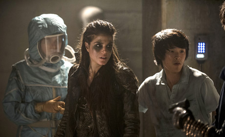 The 100 Creator Previews Season Finale, End of Mount Weather & More