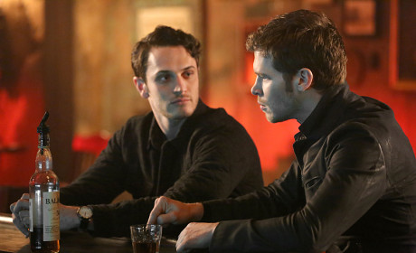 Cheers? - The Originals Season 2 Episode 15