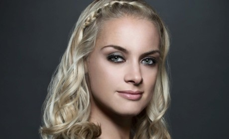 Reign Finds Its Elizabeth in 50 Shades of Grey Star Rachel Skarsten
