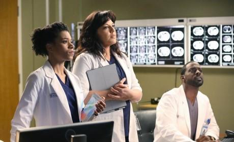 Maggie and Callie at Work - Grey's Anatomy Season 11 Episode 15