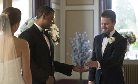 Brothers of the Heart - Arrow Season 3 Episode 17