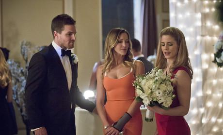 Guess Who Caught the Bouquet! - Arrow Season 3 Episode 17