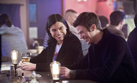 The Flash Season 1 Episode 16 Photo Gallery: Sibling Rivalry