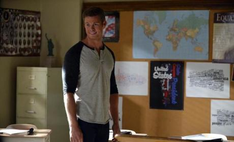 17 Suspects Who Could Be A on Pretty Little Liars