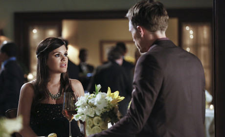 Worried Zoe - Hart of Dixie Season 4 Episode 10