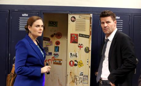 Brennan and Booth Investigate the Murder of a Teacher - Bones