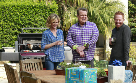 Claire, Cam, and Mitchell are Amused - Modern Family Season 6 Episode 19