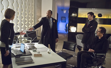 Meeting with McGee - The Flash Season 1 Episode 18