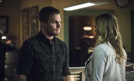 Looking for Help - Arrow Season 3 Episode 19