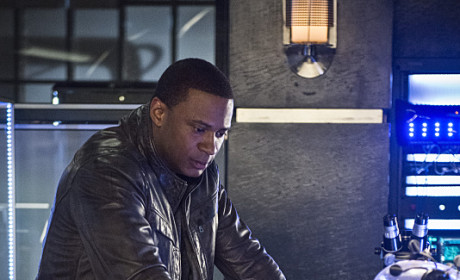Looking It Over - Arrow Season 3 Episode 21