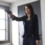 Chloe, Armed