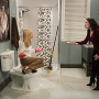 2 Broke Girls Review: Two Balloon Girls