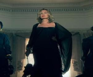 American Horror Story: First Look at the Coven!