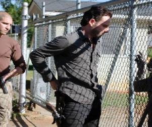 "The Walking Dead Preview & Sneak Peek: ""18 Miles Out"""