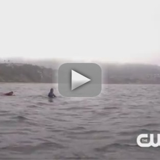 90210 Clip: Naomi as a Surfer?!?