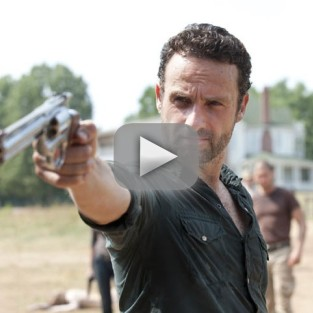 The Walking Dead Midseason Finale Promo: A Grave Threat