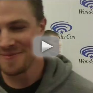 Arrow Cast Q&A: Red Carpet Teases, Spoilers and More from WonderCon